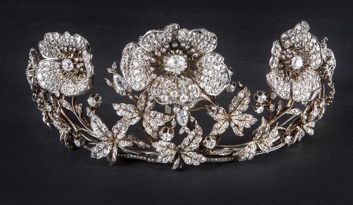 Citt nascosta milano un aperitivo tra diamanti e gioielli for Design gioielli milano
