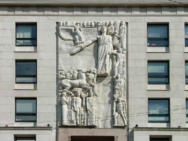 palazzo dell'informazione1