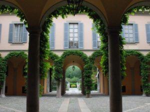 Palazzo-Borromeo-dAdda-Milano1-590x443